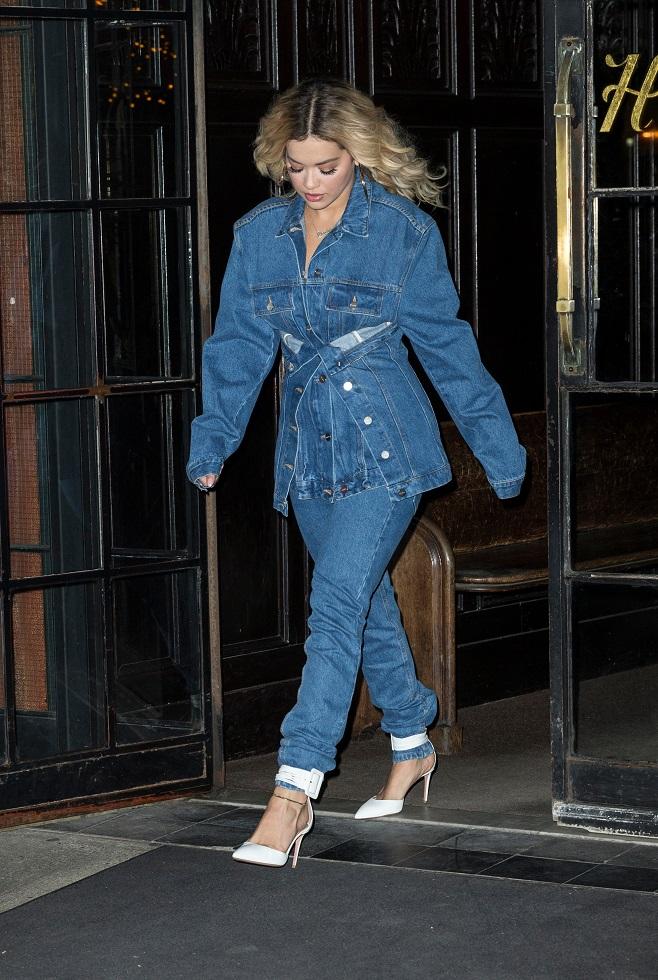 dc0ebb833f34 DLS - Rita Ora in denim total look