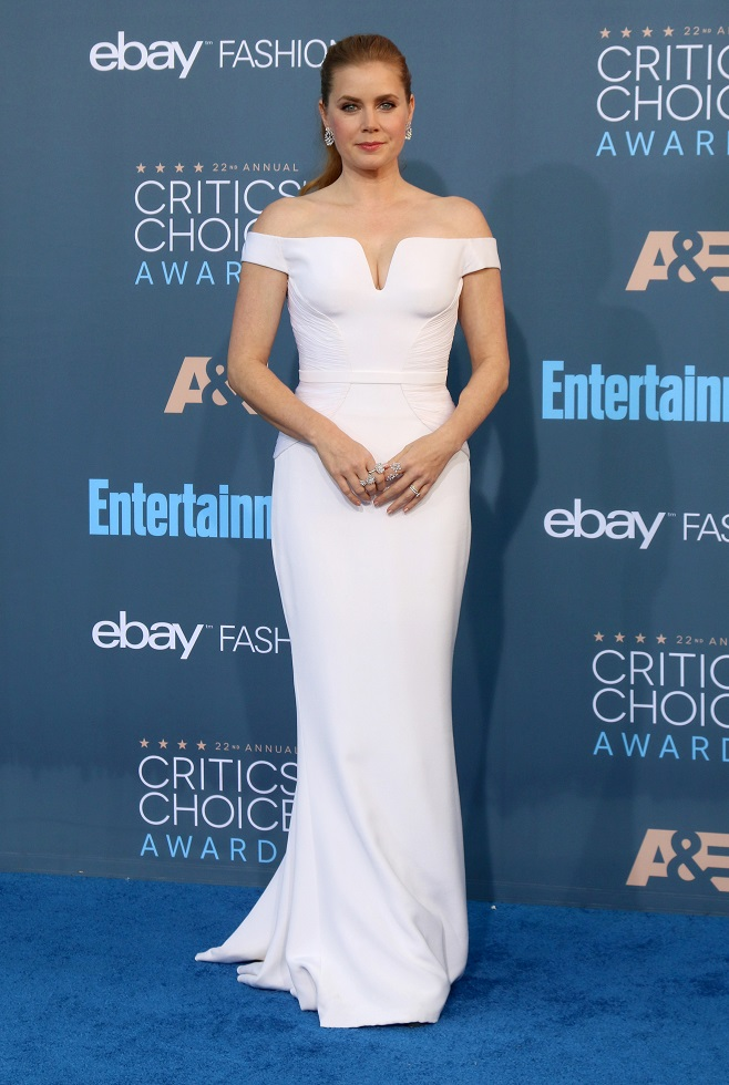 Amy Adams in white off shoulder dress