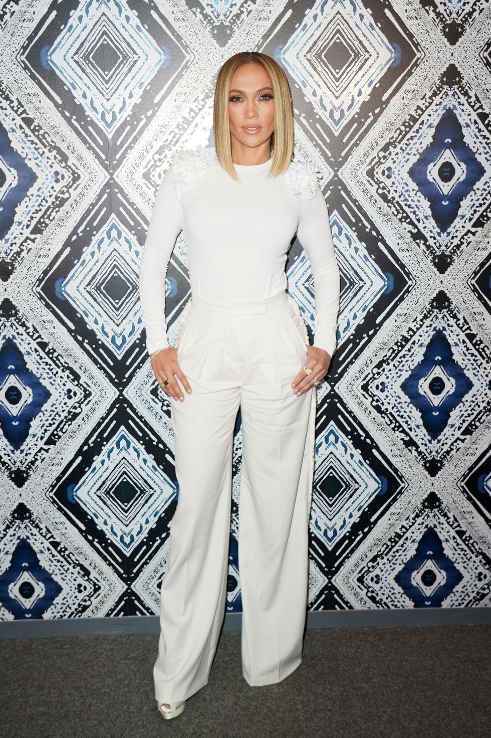 Jennifer Lopez - white total look