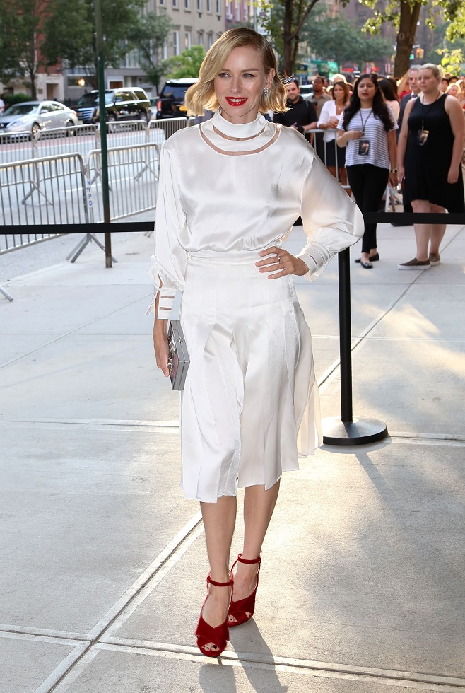 Naomi Watts white total look