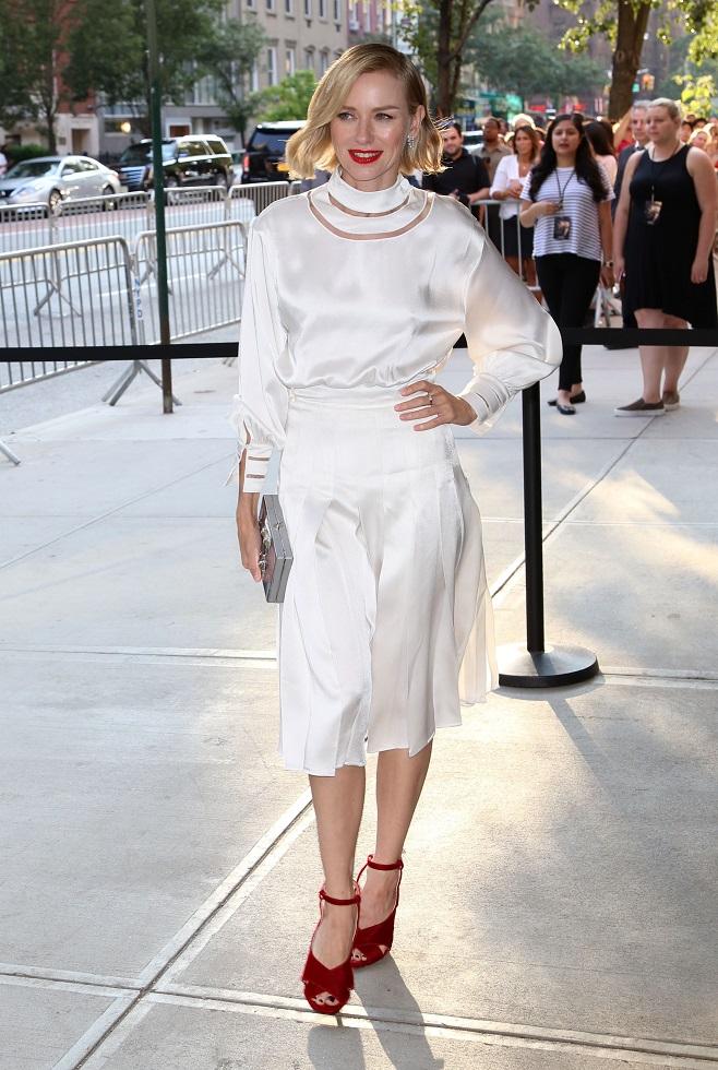 Naomi Watts loves white
