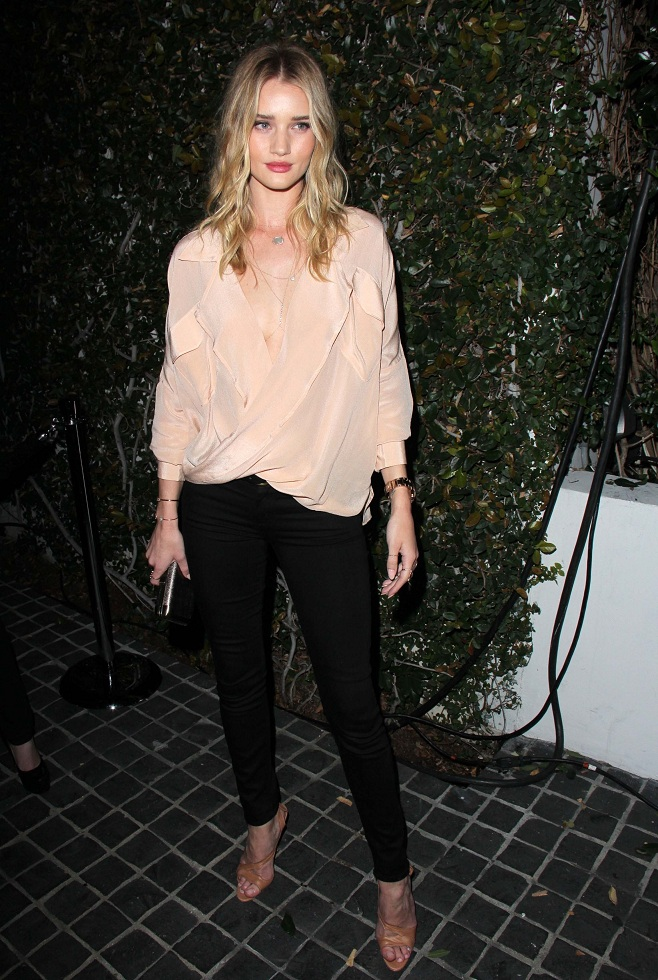 Rosie Huntington-Whiteley in casual look